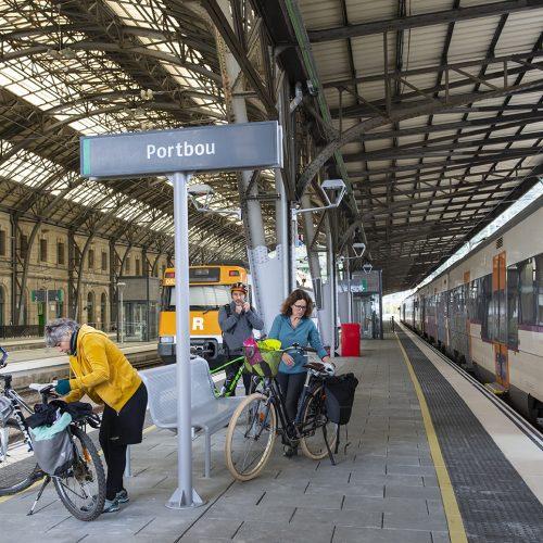 Estació de Portbou amb bicicletes